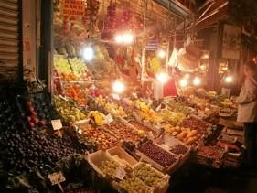 Fruit and veg markets at night, Kadikoy (2)