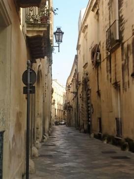 Narrow street, Lecce